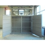 "Грузовой лифт CMInd-K3-2000-2500X1500X2000 ""Склад-Профи-2000"" в торговом центре"