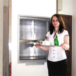 Грузовой лифт для ресторана CMInd-К2-50-600х600х800