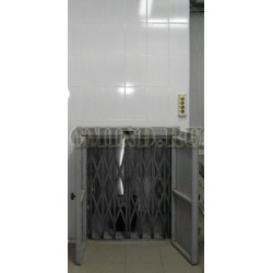Малый грузовой лифт CMInd-К2-50-800х800х1000